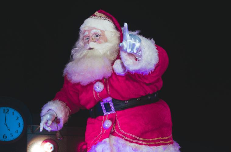 5 Christmas Mixes To Listen To This Holiday Season