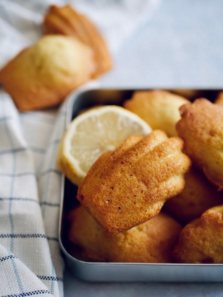 Gros plan madeleine vanille citron