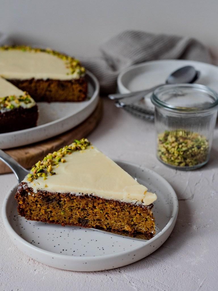 Part de carrot cake pistaches