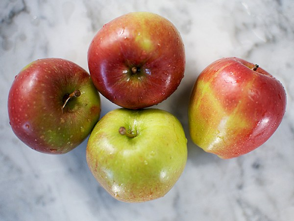 Cannich Stores : Apple 4 pack