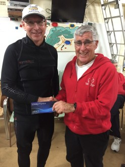 Tues 6th Sep 2016 : Tonight's photo shows club member Joe Wilson presenting tonights winner David Urquhart with a movie voucher.
