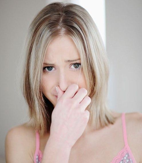 54ebc09268285_-_06-woman-plugging-nose-xl