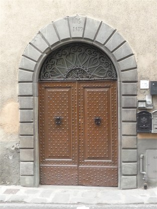 32.doorway2