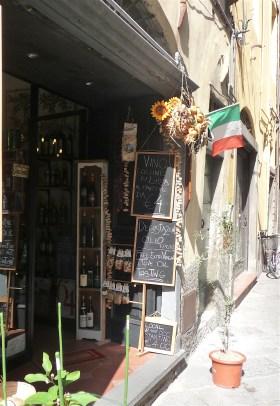 38.shop window4