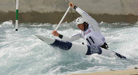David Florence paddling a C1 at the Lee Valley Olympic Course.