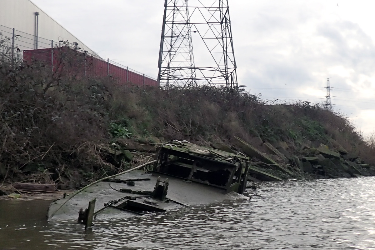 Sunken boat on Barking Creek