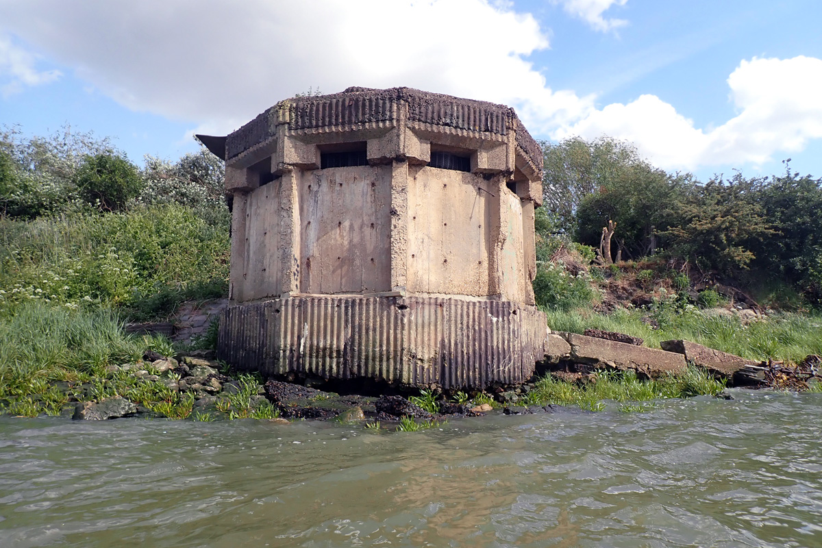 Possible minewatcher's pillbox at Thamesmead