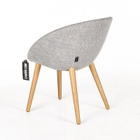 Moooi Love Chair lichtgrijs // Stoffering: Vesper ...