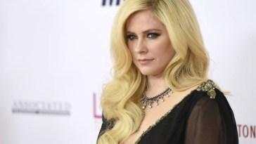 Novas músicas de Avril Lavigne serão lançadas entre junho e setembro, garante cantora | CA Notícias