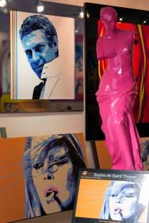The artist Sasha de Saint-Tropez's gallery in Place de l'Ormeau.