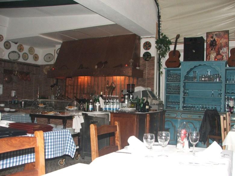 Lisboa-restaurante-fado1