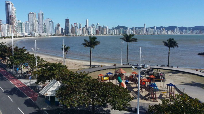 Praia-central-do-bondinho