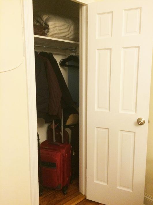 apartamento-alugado-em-New-York-armario-sala