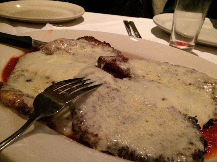 Onde-jantar-em-Washington-Carmines-frango