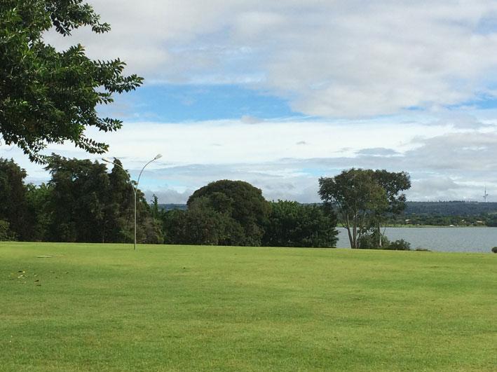 Brasilia-Palaca-vista-lago
