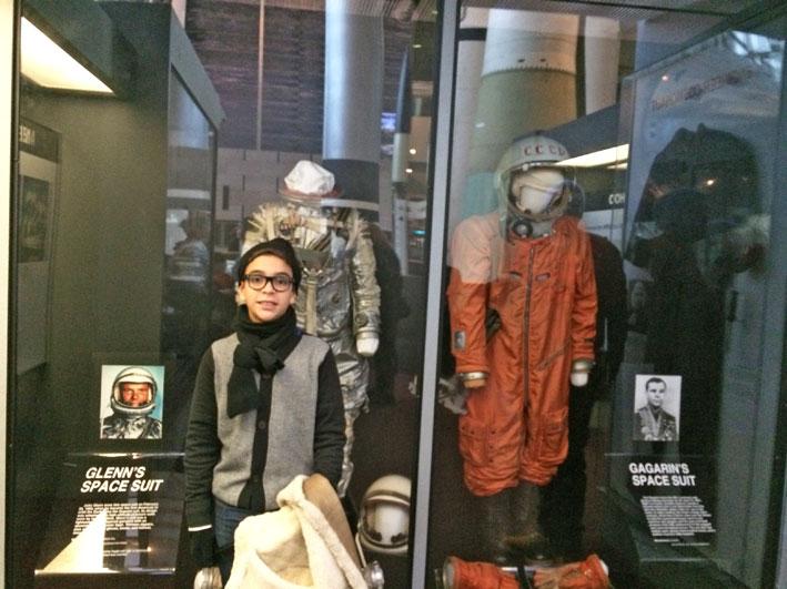 Museu-do-Ar-e-Espaco-Exploring-the-moon-1