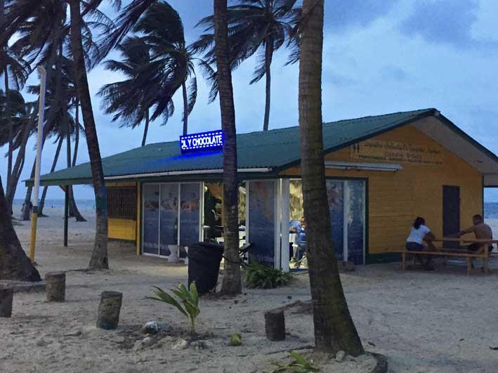 Como-e-o-passeio-a-Haines-Cay-e-Acuario-coop2
