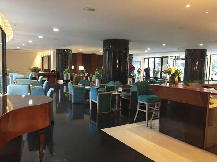 Hotel-perto-do-aeroporto-em-Bogota-lobby2