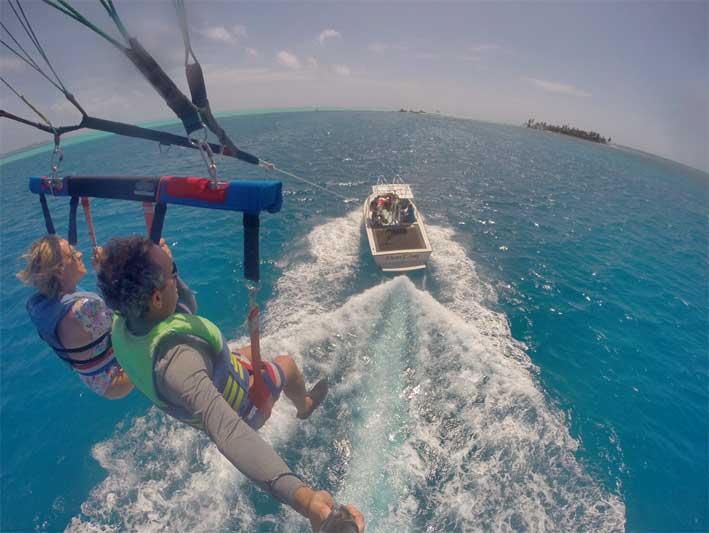Tudo-sobre-o-voo-de-parasail-em-San-Andres-12