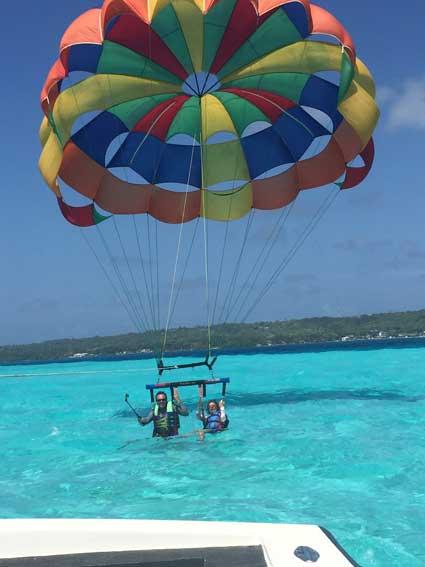 Como é o voo de parasail em San Andrés