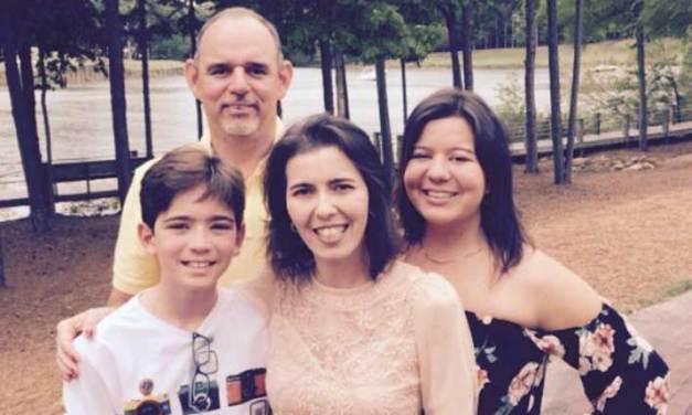 A família volta a Orlando agora completa