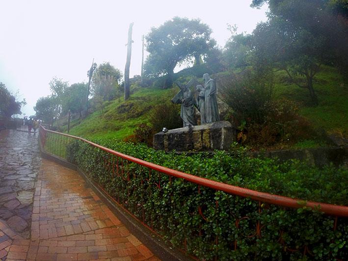 Cerro-de-Monserrate-caminho-2