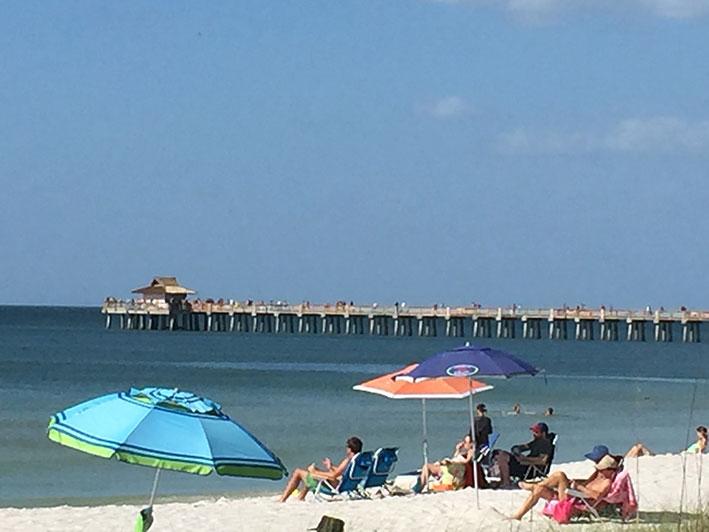 O-que-fazer-em-naples-em-um-dia-praia2