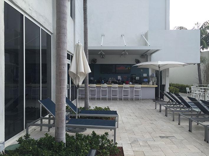 hotel-em-Fort-Lauderdale-piscina2