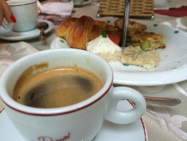 cafe12