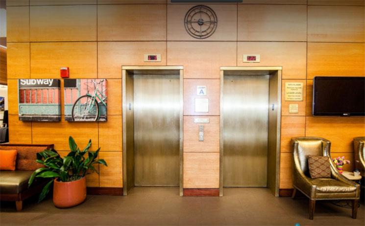 Hotel-em-New-York-Double-Tree-Hilton-elevadores