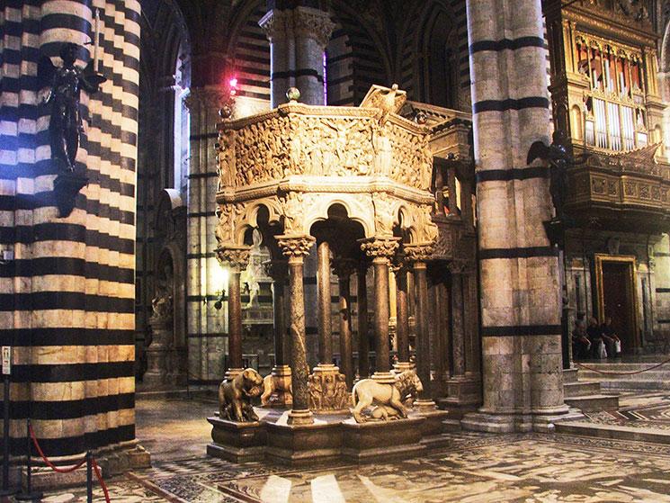 Púlpito da catedral de Siena