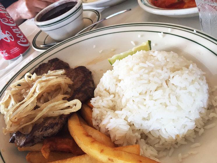 Carne do Restaurante Versailles em Little Havana em Miami