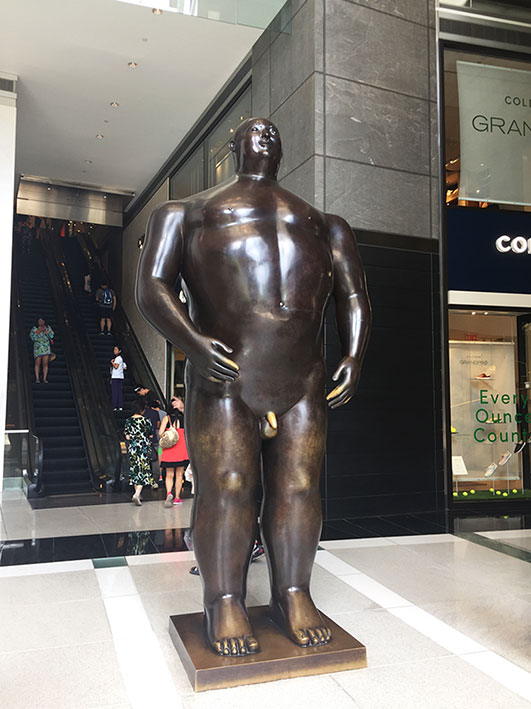 Escultura de Botero no shopping do Time Warner Center