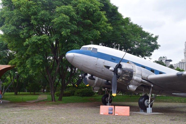 Avião no Catavento Cultural