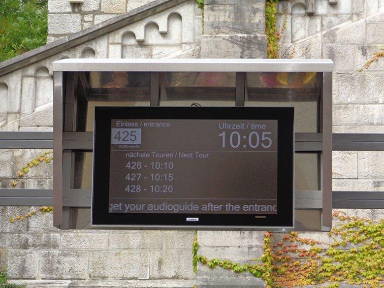 Sinalização na entrada para o Castelo de Neuschwanstein