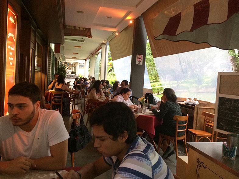 Área externa do Café Daniel Brian em Brasília