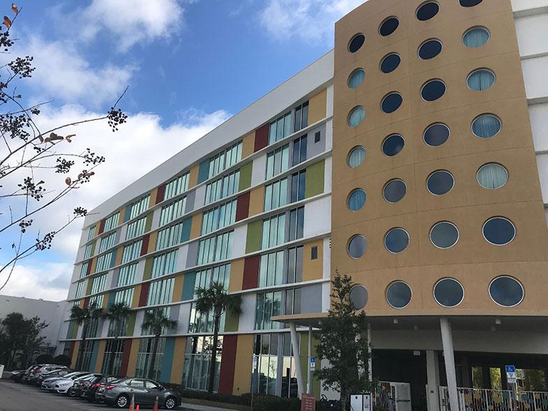 Estacionamento do hotel dentro da Universal
