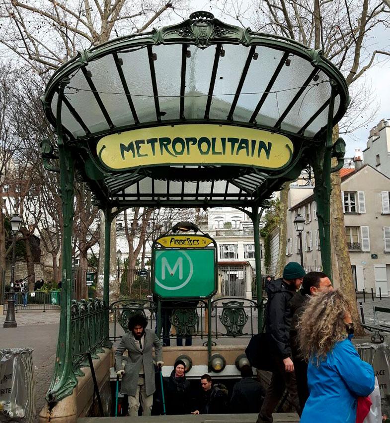 Estação para chegar à Sacré Couer
