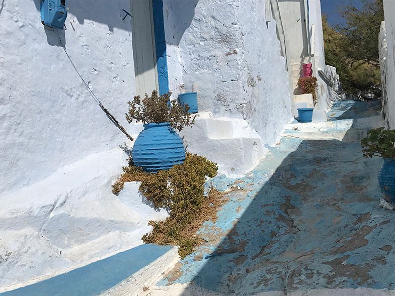 Ruas de Plaka em Milos