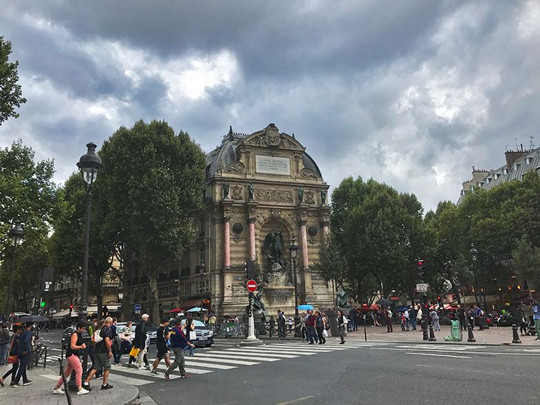 Fonte Saint Michel em Paris