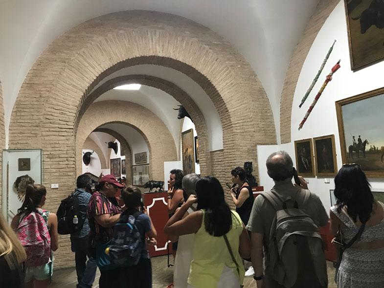 Sala de exposições na Plaza de Toros de Sevilha