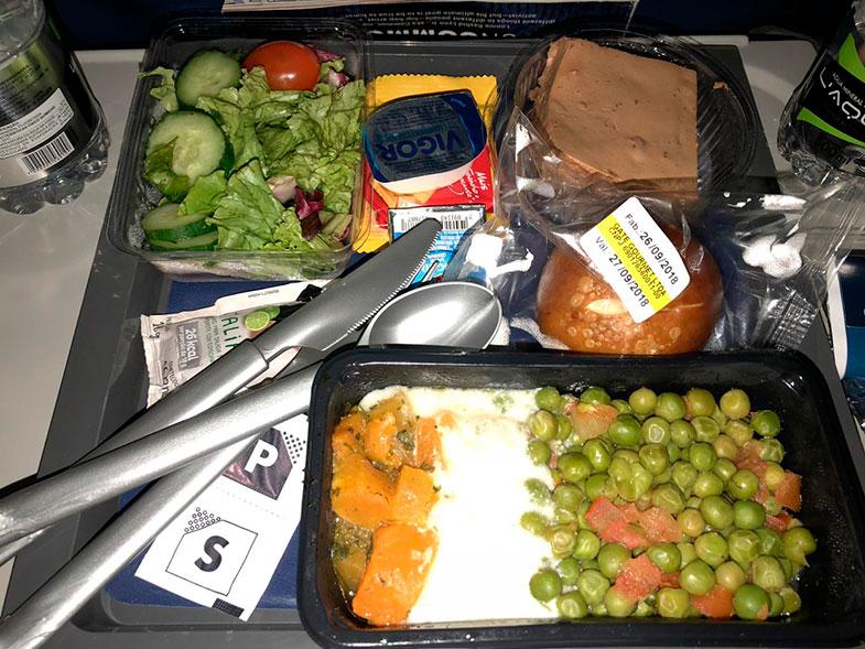 Jantar no voo internacional Delta