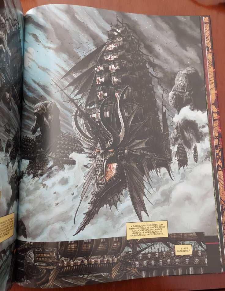 Terrível navio aéreo com cara de dragão, todo negro, saindo das nuvens.