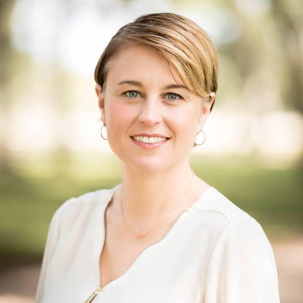 Kimberly Lipari headshot