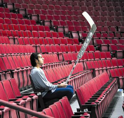 Luongo in the stands