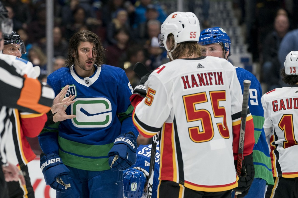Report: Chris Tanev signs 4 year deal with the Calgary Flames