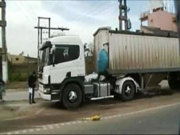 Cañuelas,  Homicidio culposo  por la UFI N° 1,  camión despedaza a un persona.