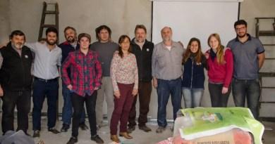 Aguamiel del Paraná, un grupo de Cambio Rural II, trabaja con la miel de una manera innovadora que expande el mercado de la colmena.
