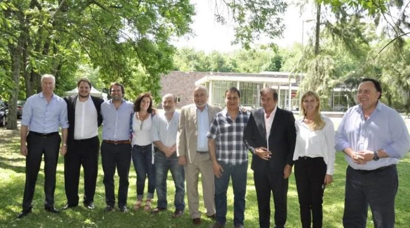 Con cita en el partido de San Vicente, la jefa comunal de Cañuelas, Marisa Fassi, constituyó junto a un grupo de mandatarios y al juez federal de Morón, Jorge Rodríguez