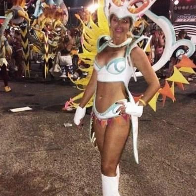 , Catalina Valmisa Stylist Professional, danzó como invitada en la comparsa Obahia en el Corsódromo de Gualeguaychú, Cañuelas Noticias - Noticias de Argentina